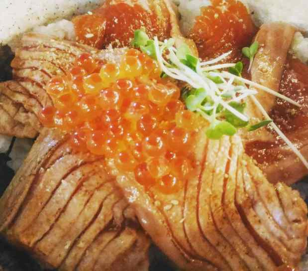 Seared Salmon Sashimi Don